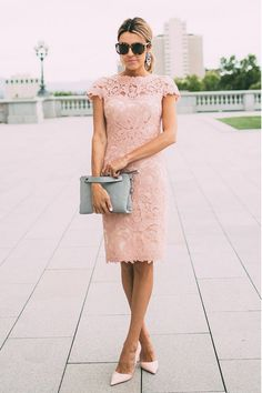 10 Style Staples Every Woman Should Have In Their Wardrobe: Clutch. For more ideas, click the picture or visit www.sofeminine.co.uk