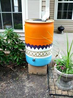 Check out this amazing rain barrel Kelsie, a student of a recent rain barrel class at ACUA, hand painted.