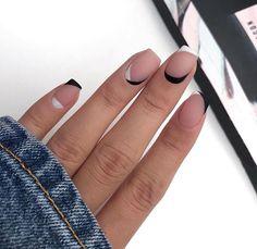 80 Awesome Minimalist Nail Art Ideas - Beauty Home Stylish Nails, Trendy Nails, Matte Nails, Pink Nails, Acrylic Nails, Gradient Nails, Neon Nails, Nail Manicure, Nail Polish