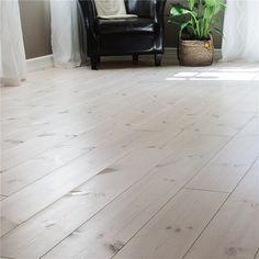 Billigt Trägolv i ek, furu m. White Wood Floors, Timber Flooring, Hardwood Floors, Living Room Flooring, Minimalist Interior, Tile Patterns, Ikea Hack, Home Decor, Floor Refinishing