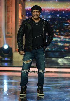 Salman Khan on TV show India's Got Talent. via Voompla.com