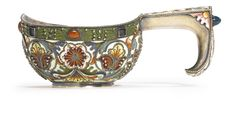A Gem-Set Russian Gilded Silver and Shaded Enamel Kovsh, Fedor Rückert, Moscow, 1899-1908;  sold 10,000 USD;  16/04/13.   ||| sotheby's n08981lot6mf2zen