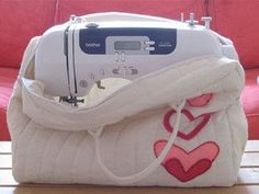 The Sewer Protector — DIY How-to from Make: Projects padded sewing machine carrying bag pattern tutorial
