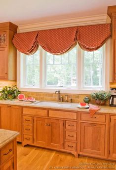 Idea of the Day: Neutral & Bright: Light wood kitchens gallery. (By Crown Point Cabinetry). Crown Point Cabinetry, Valences For Windows, Light Wood Kitchens, Kitchen Gallery, Wood Kitchen Cabinets, Traditional Lighting, Kitchen Pictures, Cabinet Furniture, Kitchen Design