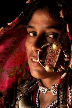 """Kutchi woman (by Milapsinh Jadeja)     ...the size of the nose ring depicts the status of the family of the bride.."""""""