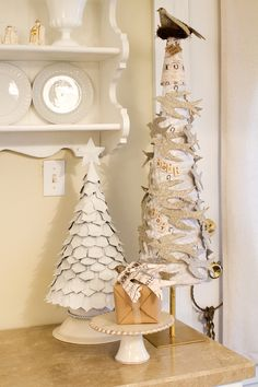 These trees could be easily adapted to create a steampunk or vintage decoration by changing the color or material, I'm going to diy