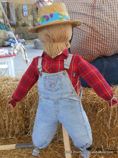 Make A Scarecrow, Scarecrow Crafts, Halloween Scarecrow, Fall Halloween, Halloween Party, Halloween Costumes, Scarecrow Ideas, Vintage Halloween, Vintage Witch
