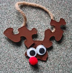 recycle puzzle pieces/ reindeer ornament