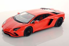 Collectable resin model Lamborghini Aventador S in Arancio Argos colour by MR Collection Models #Lamborghini #ModelCars #SuperSportsCar #LamborghiniClub #diecast #diecastphotography #diecastcollector #diecastcollection #diecastcars #118 #118Scale #118Diecast
