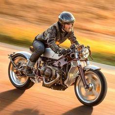 180d58f41159d BMW via Custom Motorcycles Poland Bmw Cafe Racer, Cafe Bike, Cafe Racer  Style,