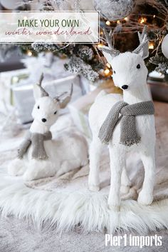 70 Beautiful White Christmas Decor Ideas On A Budget - Blanc Noel❄️Decoration - White Reindeer, Winter Home Decor, Noel Christmas, White Christmas Trees, Christmas Tables, Natural Christmas, Reindeer Christmas, Christmas Design, Christmas Christmas