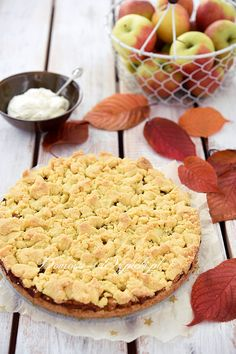 Glutenfreier Apfelkuchen mit Streuseln Gluten-free apple pie with crumbles Gluten Free Apple Pie, Vegan Gluten Free, Gluten Free Recipes, French Desserts, French Food, Polish Recipes, How To Eat Paleo, Greek Recipes, French Recipes