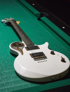 Elena Omega by Universum Guitars.