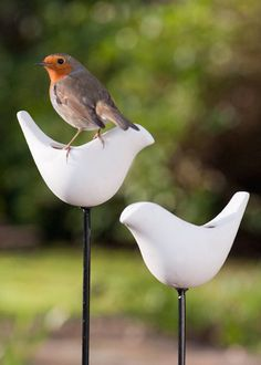 Buy Porcelain bird feeder on a stake - Decorative bird feeder for your garden: Delivery by Crocus Metal Pole, London Garden, Ceramic Birds, Ceramic Art, Buy Birds, Small Birds, Small Animals, Steel Rod, Garden Gifts