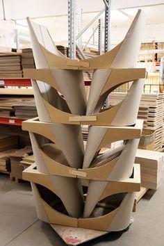 TEHDÄÄN HYVIN | HANDMADE QUALITY Työvaihe: Ruokatuolin istuinrunkoja | Dining chair seat frames Tuotantolinja: Pöydät | Production line: Dining  #pohjanmaan #pohjanmaankaluste #käsintehty