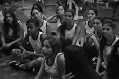 La práctica hace al maestro nuestras chicas en clases de preparación para su desfile de modas #FPVFASHIONSHOW DE MAQUILLAJE PROFESIONAL INSCRIPCIONES ABIERTAS. MAQUILLAJE@FOTOPOSEVENEZUELA.COM Telf: 0414 2215656/ 0414 9375795 / 0212 3147620 Dirección Oficinas: Chacao- Caracas Av Fco de Miranda Detalles en: http://ift.tt/1KyVgFT Inscripción 2000 -  DIAS DE CLASE JUEVES Y VIERNES Horario de Clases : 2a4 pm  CONTACTANOS: MAQUILLAJE@FOTOPOSEVENEZUELA.COM FOTOPOSEVENEZUELA@GMAIL.COM @FOTOPOSEV…