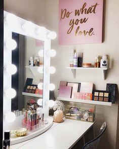36 Ideas for makeup vanity redo mirror Redo Mirror, Vanity Redo, Makeup Table Vanity, Vanity Ideas, Makeup Vanities, Vanity Tables, Mirror Kit, Cute Makeup Vanity, Teen Vanity