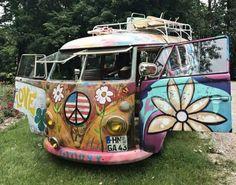 The happy hippie vw hippie van, hippie camper, happy hippie, hippie peace, Vw Hippie Van, Combi Hippie, Hippie Camper, Vw Camper, Vw Caravan, Volkswagen Bus, Vw T1, Airstream Campers, Hippie Peace