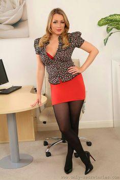 Pantyhose office girsl are