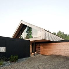 Modern house AU29 by Gassn http://wp.me/p3Xi5T-1Au #mid century…