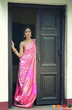 New Bengali Bride in her Silk splendor