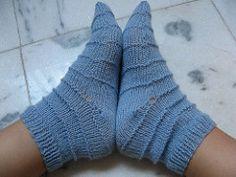 """""""As meias mais simples do mundo"""" por gatinhosdeniteroi"""