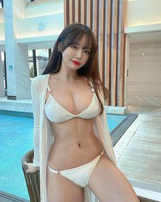 Cute Asian Girls, Beautiful Asian Girls, Cute Girls, Korean Bikini, Bikini Pool, Swimsuits, Bikinis, Swimwear, Asian Model Girl