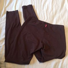 Brown Hardtail Leggings In good condition, no flaws. Comfortable for working out and yoga!  Brand: Hard tail Forever Size: Small  Before shipment, ALL items in my closet will be washed, ironed, and lint rolled if needed.   Check out my closet for more cute items!  I ALWAYS discount bundles! Hard Tail Pants Leggings