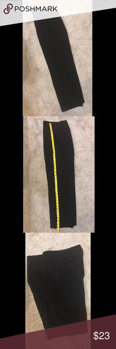 Banana Republic Dress Pants In perfect condition. Worn once and have been dry cleaned. This is a steal!! Banana Republic Pants Straight Leg