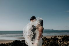 Veil photo ideas | Image by Art Wedding Photography
