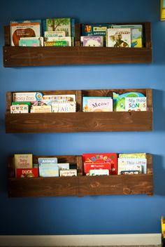 Pallet Bookshelf Stores The Mess Inside   101 Pallets