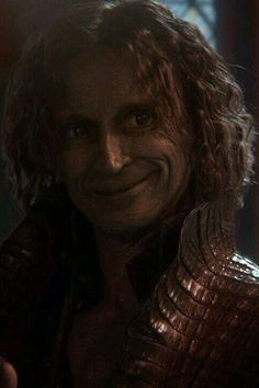 This has to be one of my favorite pics of Rumple.what an adorable expression! Once Up A Time, Emilie De Ravin, The Dark One, Rumpelstiltskin, Robert Carlyle, Black Fire, Ouat, Jon Snow, The Darkest