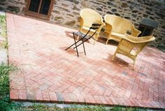 39 ideas diy outdoor walkway brick patios for 2019 Concrete Patios, Brick Paver Patio, Cement Patio, Brick Pathway, Concrete Walkway, Patio Diy, Patio Pergola, Backyard Patio, Pergola Shade