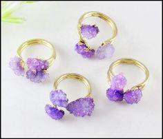 1pcs Fashion Druzy Geode Ring, Gold Ton Natur Quarzkristall konkaver Edelstein Ring einstellbar Größe in lila Farbe Schmuckzubehör von mingyuexin auf Etsy https://www.etsy.com/de/listing/231802016/1pcs-fashion-druzy-geode-ring-gold-ton