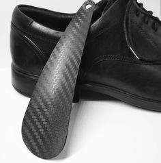 Shoehorn made from 100% carbon fiber