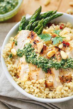 Lemon Chicken Pesto Bowls | thecozyapron.com
