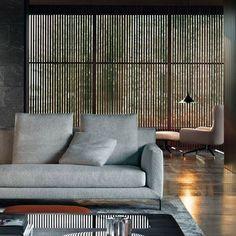 #arquitectura #sotogrande #lamasorientables #persianas #interiores #interiorismo #arquitecturamoderna #architecture #luz #light #interiordesign #sotograndedochills
