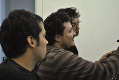 Actores y Director checando la toma.  http://youtu.be/ZNF4dWsuUpo Apoyo y recompensas: http://idea.me/projects/12551/yeneracion Gracias...