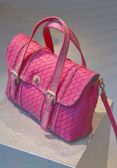 New Bottega Veneta pink fluo handbag, THE summer must have !!!