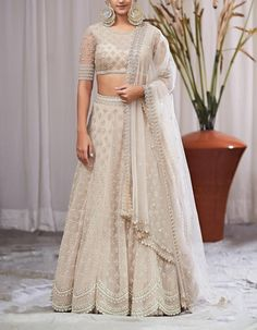 Ivory lehenga with silver zardozi hand work hindu wedding lehenga Anushree reddy lehenga - Ivory lehenga with silver zardozi hand work hindu wedding Indian Bridal Outfits, Indian Designer Outfits, Designer Dresses, Indian Designers, Lehenga Choli Designs, Blouse Lehenga, Lehnga Dress, Lengha Choli, Sabyasachi