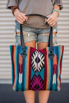 Need a handbag built to last? Our Southwestern Wool Patterned Handbags and thick colorful purses with deep roots of Southwestern & Mexican fashion inspiration. Bags boast a handwoven carpet body - Best DIY Fashion Images Fall Handbags, Purses And Handbags, Mexican Fashion, Carpet Bag, Handbag Patterns, Boho Bags, Fashion Bags, Fashion Trends, Fashion Purses