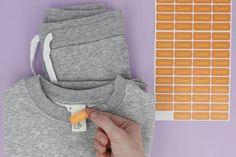 Ta av og sett på - så enkelt som så å bruke merkelapper på klær og utstyr. Sweatshirts, Sweaters, Design, Fashion, Moda, Fashion Styles, Trainers, Sweater, Sweatshirt
