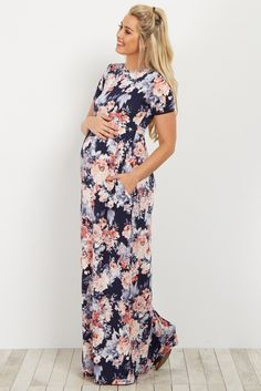 You'll never anything more perfect to dress your bump in than this amazing floral maternity maxi dress. Style this dress with neutral sandals and a tote bag to create a chic ensemble.