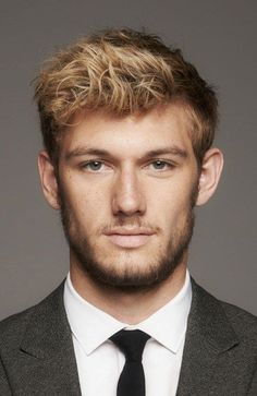 23 Sexy Summer Hairstyles For Blonde Guys - Short Blonde Hair