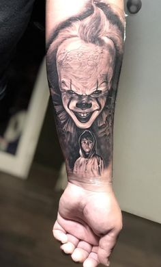 Clown Tattoo, Scary Tattoos, Movie Tattoos, Cool Tattoos For Guys, Side Tattoos, Body Art Tattoos, Floral Tattoo Design, Tattoo Designs, Arm Tattoo