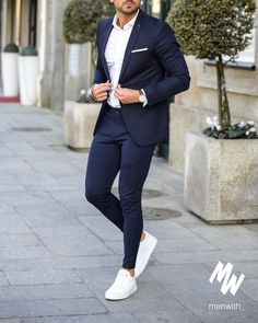 In love with this outfit worn by our dear friend 👌🏽 via Blazer Outfits Men, Mens Fashion Blazer, Mens Fashion Wear, Fashion Mode, Suit Fashion, Work Outfits, Mens Casual Suits, Stylish Mens Outfits, Mens Suits Style