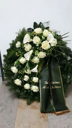 wreath Best Picture For funeral poster For Your Taste You are looking for something, and it is going to tell you exactly what you are looking for, and you didn't find that picture. Here you will find Casket Flowers, Rare Flowers, Beautiful Flowers, Beautiful Pictures, Flower Wreath Funeral, Funeral Flowers, Funeral Floral Arrangements, Flower Arrangements, Funeral Caskets