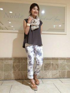 Noble 名古屋店|mikiさんのシャツ/ブラウス「ストレッチデシンVネックブラウス。(Spick and Span Noble|スピックアンドスパンノーブル)」を使ったコーディネート