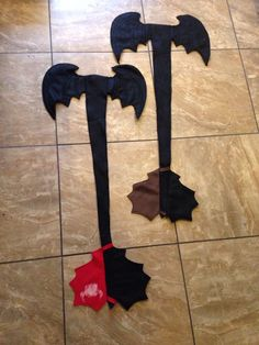 Toothless tail by ThinkYouCan on Etsy