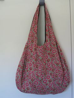 La sac d'amour - Chez Alli C joli Sewing Hacks, Sewing Projects, Sewing Patterns, Bag Patterns, Fashion Sewing, Modest Outfits, Handmade Bags, African Fashion, Purses And Bags